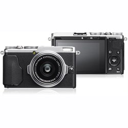 Fujifilm X-70 16.3MP X Series Compact Digital Camera w\/ FUJINON 18.5mm F2.8 Lens (Silver)